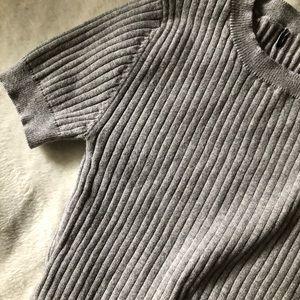 grey ribbed t shirt